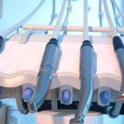 Сколько стоит вставить зубы? (Запись прилеплена)